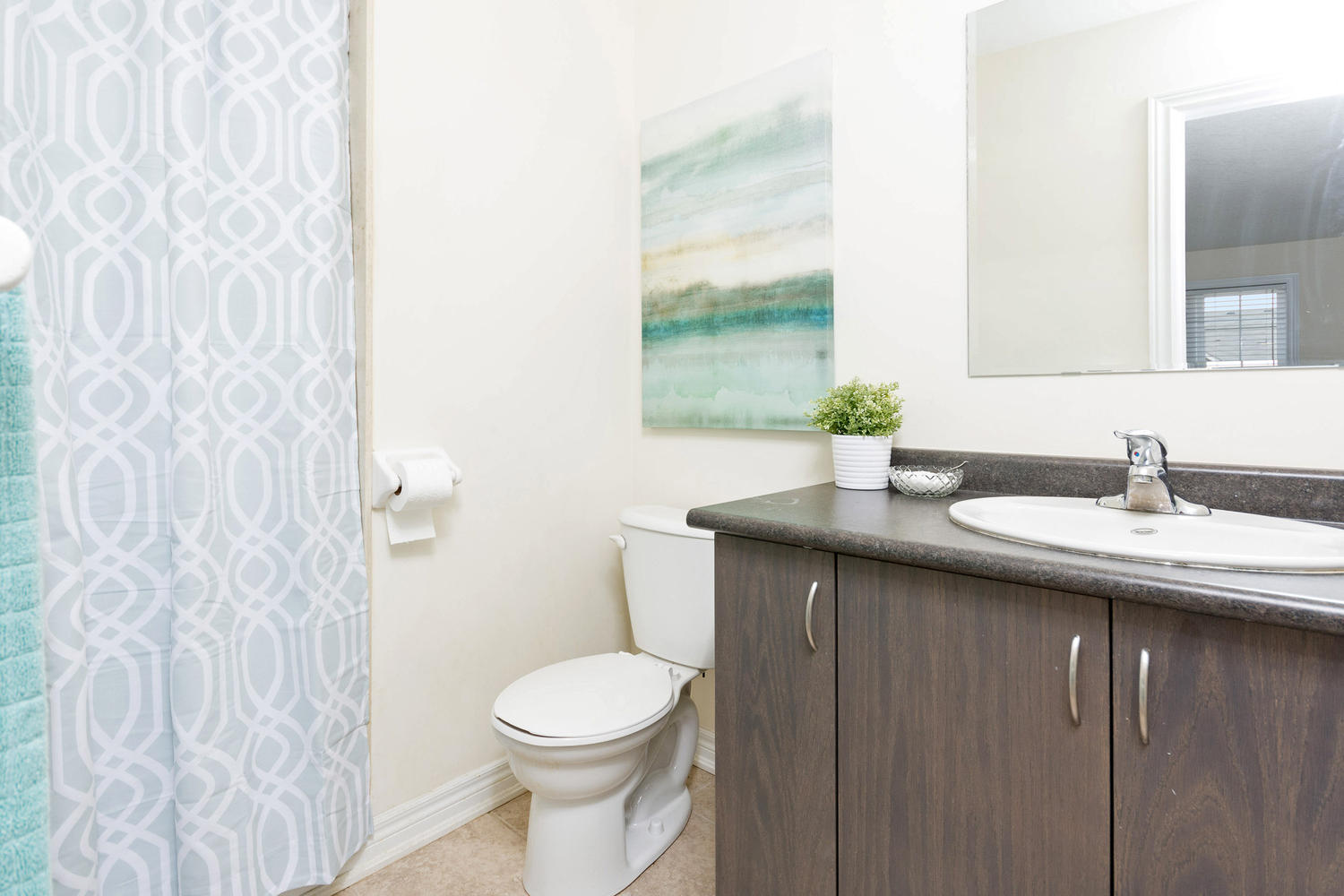 Staging A Bachelor Pad Town House To Sell